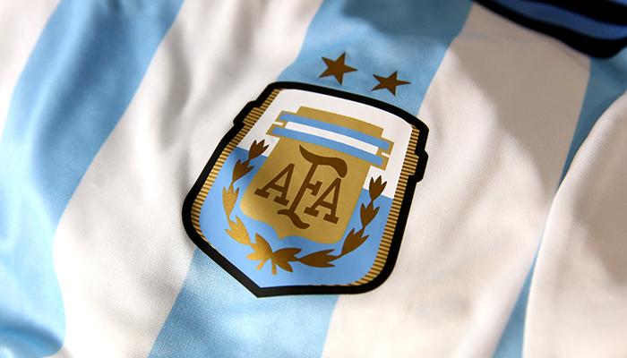 logo的设计以阿根廷国旗的宝蓝色和金色为主